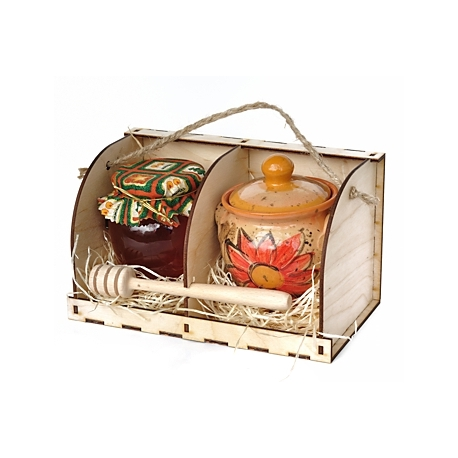 Med s medníkom v drevenej krabičke