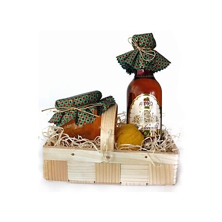 Darčekový košík /med, sviečka, medovina/